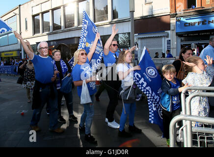 Leicester, UK. 16th May, 2016. Fans gesture to the players during the Leicester City's Barclays Premier League victory - Stock Photo