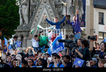 Leicester, UK. 16th May, 2016. Fans cheer for the team during the Leicester City's Barclays Premier League victory - Stock Photo