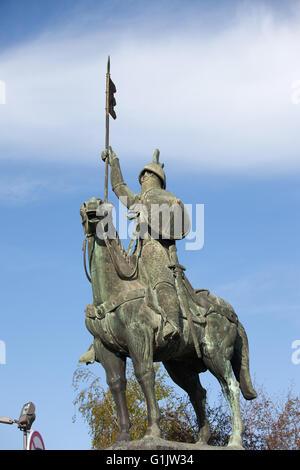 Equestrian bronze statue of Vimara Peres in Porto, Portugal, work of Barata Feyo in 1968 - Stock Photo