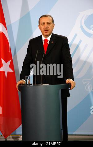 Recep Tayyip Erdogan - Treffen der dt. Bundeskanzlerin mit dem tuerkischen MP  am 8. Februar 2008, Bundeskanzleramt, - Stock Photo