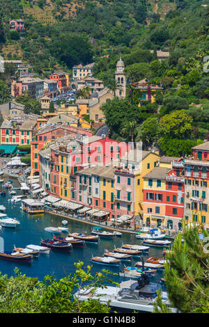 Portofino, Genoa Province, Liguria, Italian Riviera, Italy.  Classic overall view of the village and harbour. - Stock Photo