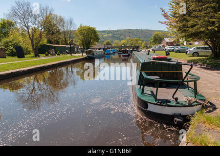 Narrowboats or canal barges in the Trevor basin on the Llangollen canal near Pontcysyllte - Stock Photo