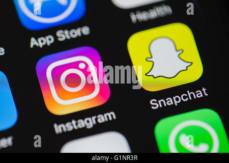 Duesseldorf, Germany. 17th May, 2016. ILLUSTRATION - The new logo of Instagram seen on an Apple iPhone 6 in Duesseldorf, - Stock Photo