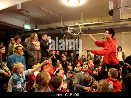 London, UK. 7th Feb, 2015. File Photo taken on Feb. 7, 2015 shows a bubble show at Science Museum in London, Britain. - Stock Photo