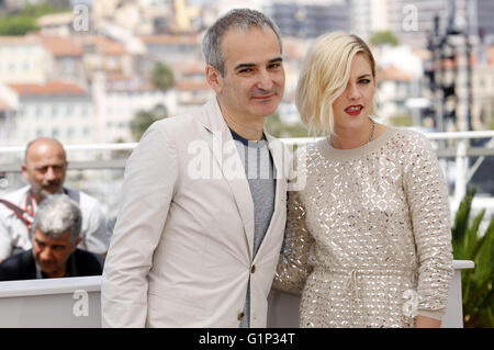 Olivier Assayas and Kirsten Stewart at the 'Personal Shopper' photocall during the 69th Cannes Film Festival at - Stock Photo
