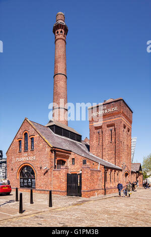 The Pumphouse, a Victorian pump house on Hartley's Quay in the Albert Dock area of Liverpool's waterfront, now a - Stock Photo