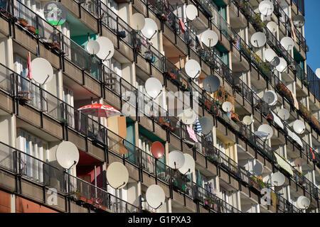Wohnhaus, Kunstaktion Von Innen nach Aussen, Daniel Knipping, Pallasstrasse, Schoeneberg, Berlin, Deutschland / - Stock Photo