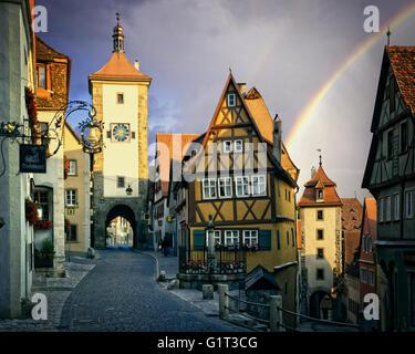 DE - BAVARIA:  Ploenlein and Siebers Tower at Rothenburg-ob-der-Tauber - Stock Photo