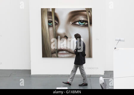 London, UK. 19 May 2016. The Art16 art fair opens at Olympia, London and is open to the public from 19 to 22 May - Stock Photo