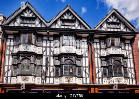 Tudor building in Pride Hill, Shrewsbury, half timbered and decorated with pargetting, Shropshire, England, UK - Stock Photo