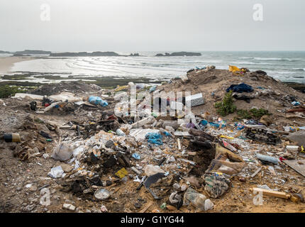 Rubbish on a beach in Morocco - Stock Photo