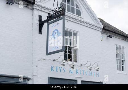 Keys and kitchen restaurant and bar in Ely Street, Stratford-upon-Avon - Stock Photo