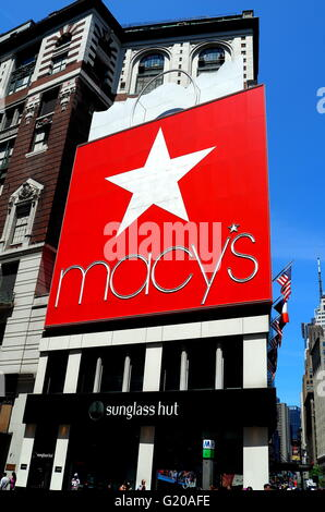 Macy 180 S Department Store West 34th Street Herald Square