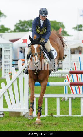 Rockingham Castle, Northamptonshire, UK. 21st May, 2016. Zara Tindall - Rockingham Castle International Horse Trials, - Stock Photo