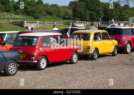 London, UK. 22nd May, 2016. Over 2000 mini drivers left Crystal Palace  South London this morning to head to the - Stock Photo