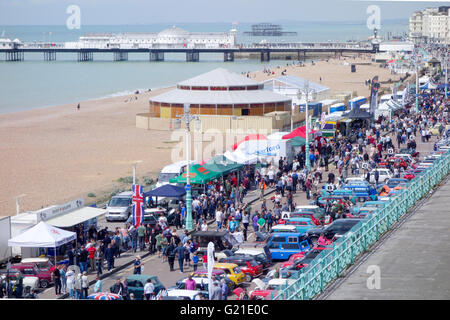 Brighton, UK. 22nd May, 2016. Vintage minis on display on Madeira Drive, Brighton after completing the 2016 London - Stock Photo