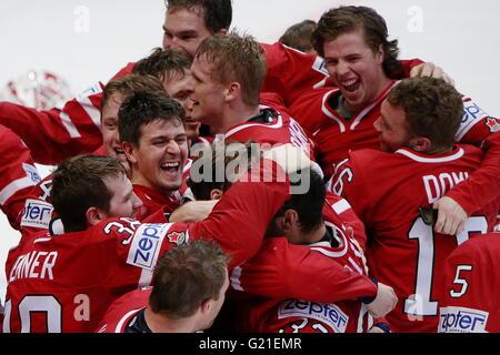 Moscow, Russia. 22nd May, 2016. Canada's players celebrate winning the 2016 IIHF World Championship final ice hockey - Stock Photo