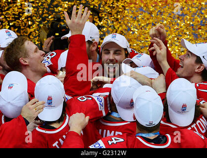 Moscow, Russia. 22nd May, 2016. Hockey players of Canada celebrate the victory at the Ice Hockey World Championships - Stock Photo