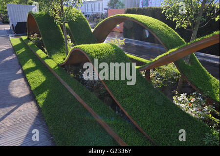 London, UK. 23rd May, 2016. The World Vision Garden (Designed by John Warland), one of the beautiful and elegant - Stock Photo