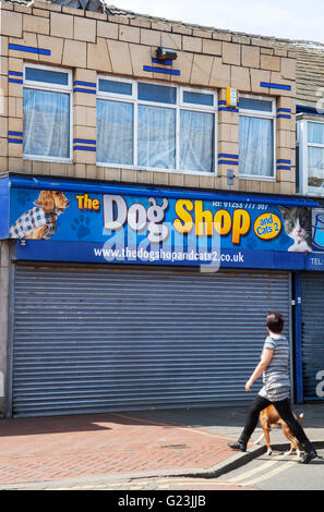 Art Deco tiled frontage to building in Fleetwood, Lancashire, UK. - Stock Photo
