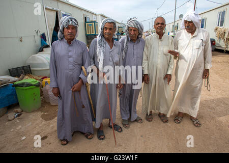 container houses of Iraqi displaced people in Anwald refugee camp, Northern Iraq - Stock Photo