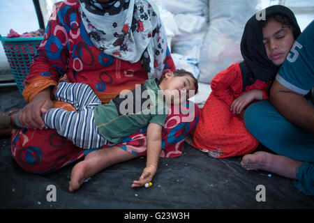 interior of a tent  in Anwald refugee camp, Northern Iraq where 8000 Iraqi people have found refuge. - Stock Photo