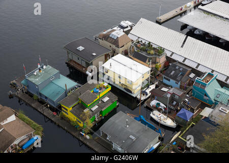 Floating homes on Lake Union in Seattle, Washington - Stock Photo