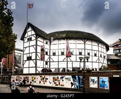 Shakespeare's Globe, a reconstruction of the Globe Theatre, Southwark, London, England. - Stock Photo