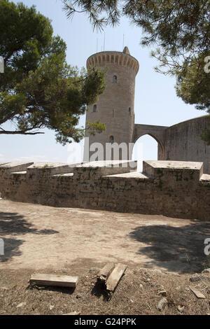 a beautiful picture of the oustide walls and tower of Bellver Castle, Palma de Mallorca, Castello de Bellver, Palma - Stock Photo