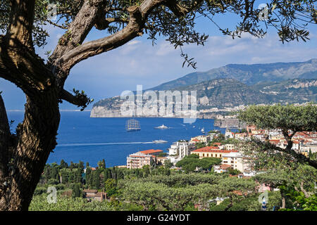 A view over the town of Sorrento towards the Bay of Naples on the Sorrentine Peninsula Campania Italy Europe - Stock Photo