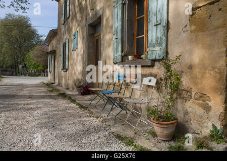 Old cottages next to Océan lock on Canal du Midi - Stock Photo