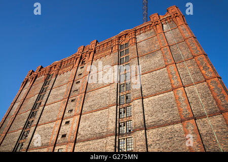 Abandoned 1901 ruins of dockside buildings in the Liverpool Docklands awaiting proposed regeneration. The Stanley - Stock Photo