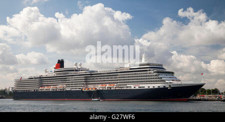 Cruise ship Queen Elizabeth, harbour, Warnemuende, Rostock, Mecklenburg-Vorpommern, Germany - Stock Photo