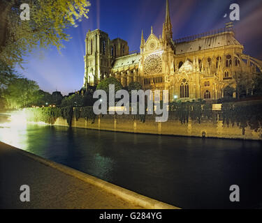 FR - PARIS: River Seine and Notre Dame by night - Stock Photo