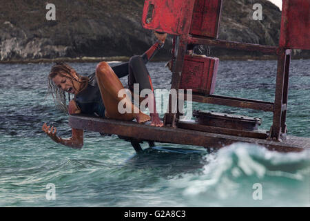 THE SHALLOWS (2016)  BLAKE LIVELY  JAUME COLLET-SERRA (DIR)  MOVIESTORE COLLECTION LTD - Stock Photo