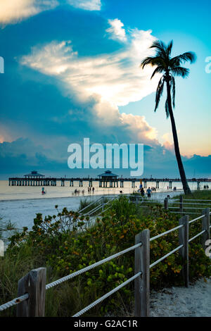 Spring evening at the Ft. Myers Beach Pier, Ft. Myers, Florida, USA - Stock Photo