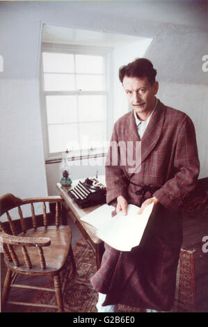 Ronald Pickup as george orwell in bbc drama 'crystal sprit...Orwell in Jura' Shot in 'Barnhill',on Jura,house Orwell - Stock Photo