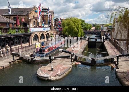 Camden Lock or Hampstead Road Lock No 1, manually operated locks on the Regent's Canal, Camden, London, England, - Stock Photo