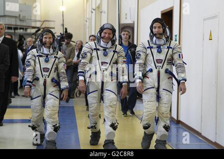 International Space Station Expedition 48 backup crew arrive for qualification exams at the Gagarin Cosmonaut Training - Stock Photo