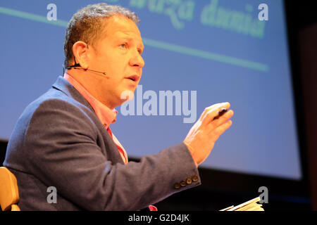 Hay Festival - Saturday 28th May 2016 -  John Kampfner is Chief Executive of the Creative Industries Federation, - Stock Photo