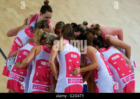 Melbourne, Victoria, Australia. 28th May, 2016. The Adelaide Thunderbirds form a huddle during the 2016 ANZ Netball - Stock Photo