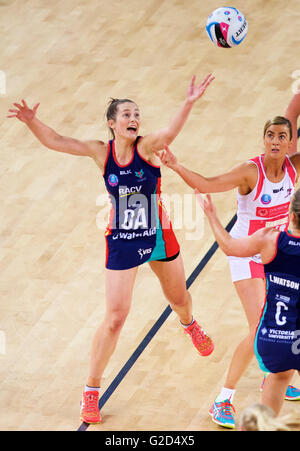 Melbourne, Victoria, Australia. 28th May, 2016. ALICE TEGUE NEELD of the Melbourne Vixens competes for the ball - Stock Photo