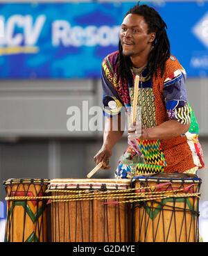 Melbourne, Victoria, Australia. 28th May, 2016. Drummer entertains the crowd at half time during the 2016 ANZ Netball - Stock Photo