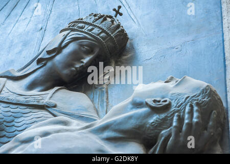Sculpture of King Stephen, the first Christian Magyar ruler of Hungary, on the wall of the Belvaros Post Office - Stock Photo