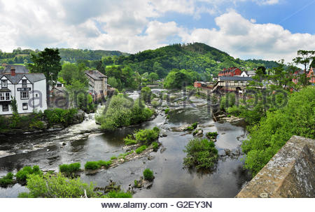 The River Dee at Llangollen in Denbighshire, Wales. - Stock Photo