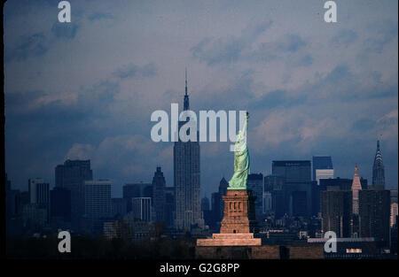 Boardwalk Empire Empire State Building Statue