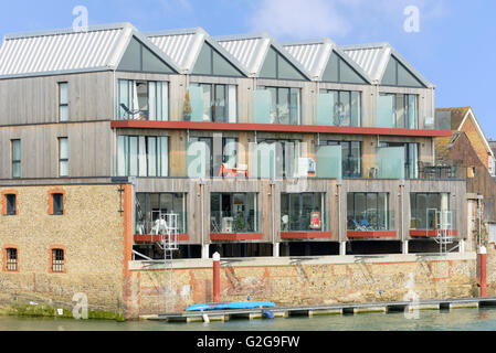 New modern property development by the River Arun in Littlehampton, West Sussex, England, UK. - Stock Photo