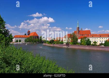 Breslau Sandkirche und Kreuzkircheüber die Oder  - Breslau St. Maria and Holy Cross Church and river Oder - Stock Photo