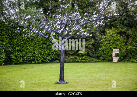 Sculpture at Kingham Lodge during Oxfordshire Artweeks 2016 by Richard Cresswell - Stock Photo
