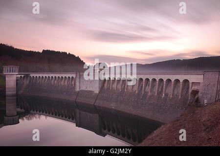 Sunset reservoir dam lister - Stock Photo